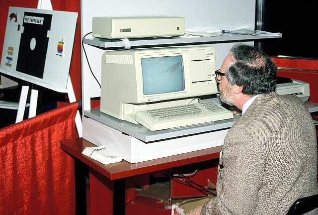 Soon, in 2018, the Computer History Museum will be open sourcing the code of the Apple Lisa operating system and you'd be able to download it for free. As it's open source, you'd be free to modify it and create something new--just like Linux and other open source operating systems.