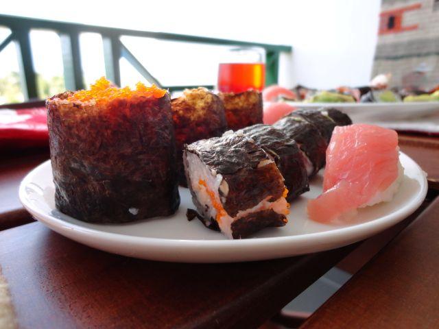 Sushi hecho en casa, con vista a la playa!! Home made Susho Next to the beach!!