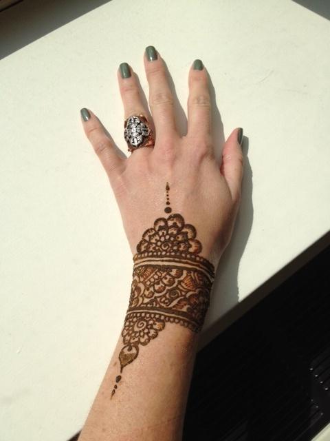 Mehndi Tattoo Cuff : Henna cuff mehndi designs pinterest hennas
