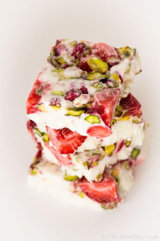 Yogurt Bars with Strawberries and Pistachios by the healthiercook #Bars #Frozen_Yogurt #Strawberry #Pistachio