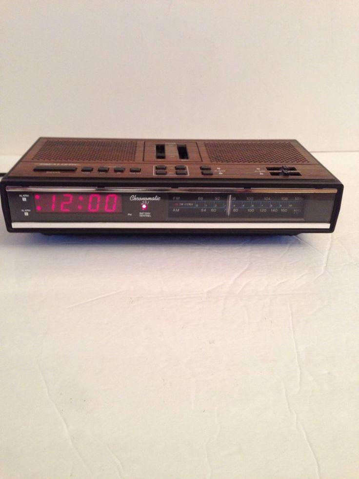 vintage realistic chronomatic 251 digital alarm clock radio retro realistic my vintage. Black Bedroom Furniture Sets. Home Design Ideas
