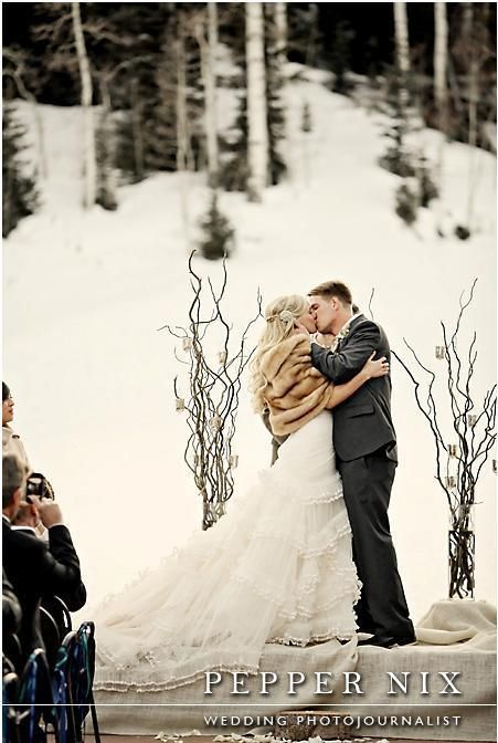 Outdoor Winter Wedding! Lodge and photographer listed