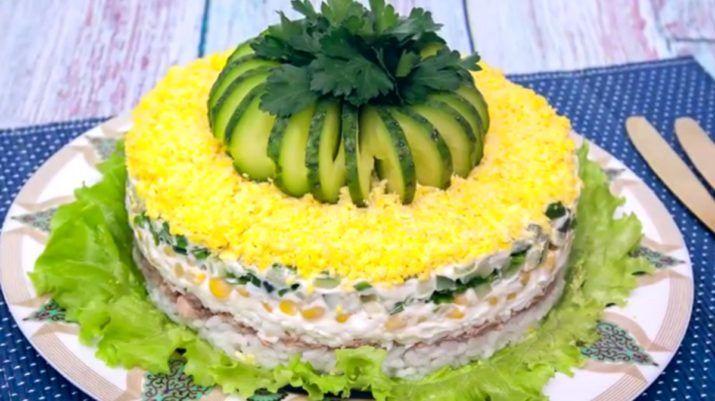 Праздничный слоеный салат с печенью трески «Диана» | NashaKuhnia.Ru