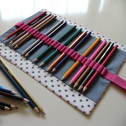 Tužkovník  na 26 pastelek (č.053) penál tužkovník pastelky