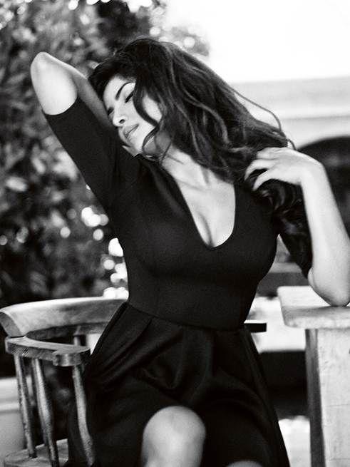 Priyanka Chopra Guess3 Bollywood Star Priyanka Chopra Named Face of Guess Holiday 2013 Campaign