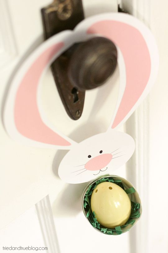 Free file to make this super cute Easter Bunny Door Hanger | A Tried & True Project