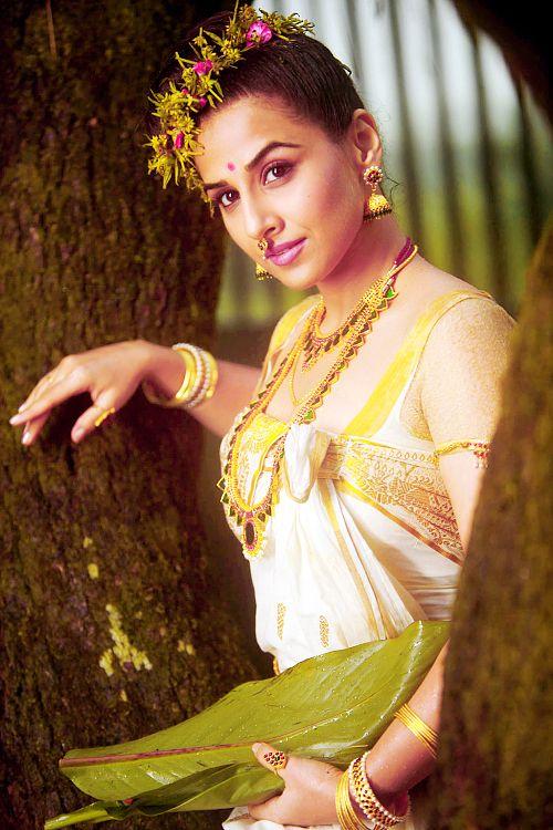 Vidya Balan in south Indian jewellery
