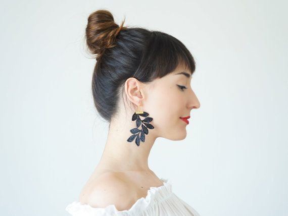 Etsy で見つけた素敵な商品はここからチェック: https://www.etsy.com/jp/listing/400444771/spring-fashion-accessories-lace-earrings