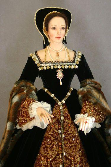Anne Boleyn head and bodice figurine by Lady Finavon | Grand ...