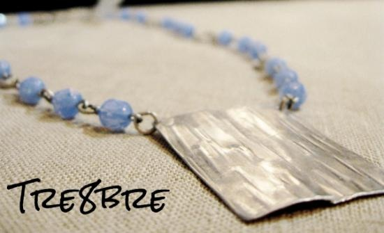 Nebbia (Fog) - necklace in foldformed aluminium with faceted beads. By Tre8bre