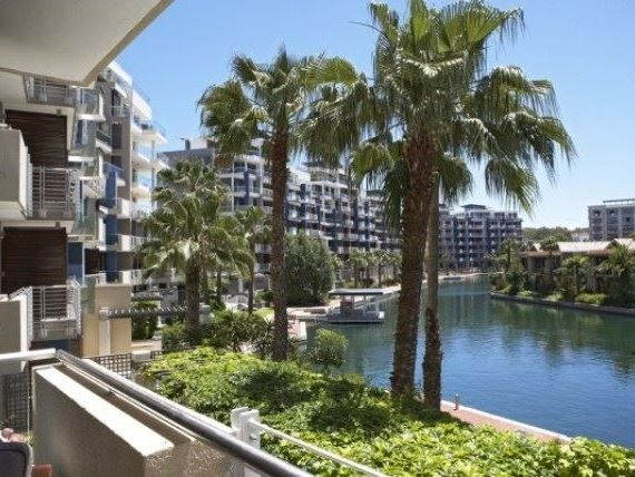 Juliette - Juliette is a modern and luxurious apartment complex situated in the heart of the most successful waterfront development in the world, and caters for the leisure and corporate traveller alike.    The complex ... #weekendgetaways #vandawaterfront #southafrica