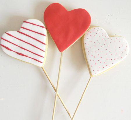 Deliciosas galletas para el Día de San Valentín / Lovely heart-shaped cookies for St. Valentine's DayThe San Valentín, Valentine'S Day, Sugar Cookies, Heart Cookies, Happy Valentine, Easy Cookies, San Valentine, Vday Cookies, Cookies Pop