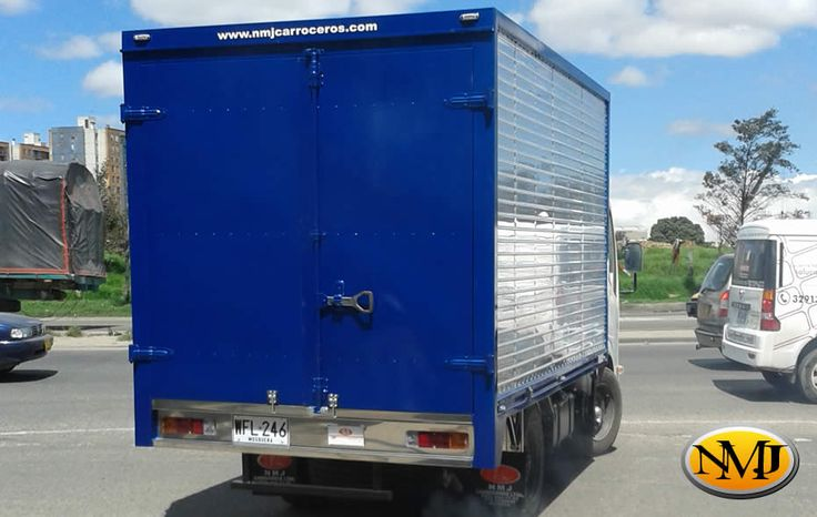 Cada negocio es único. Su empresa de carga hace las cosas muy distinto de otras compañías, incluso estando ubicadas en un mismo sector.  http://www.carroceriasyfurgonesnmj.com/camiones-furgones-camionetas-4x4-con-furgon-reparaciones-nuevas-y-usadas-en-venta