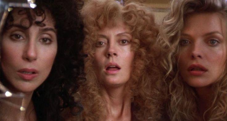 Cher, Susan Sarandon y Michelle Pfieffer en 'Las brujas de Eastwick'
