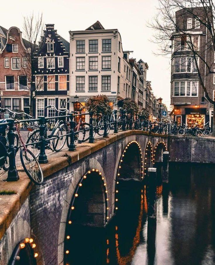 Foto dell'accogliente Amsterdam Dai un'occhiata a desigedecors.com per avere più ispirazione #interi …