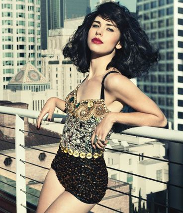 Loving Kimbra's tunes, bought her CD when it first came out and have been playing it ever since - look what Kiwis are capable of!