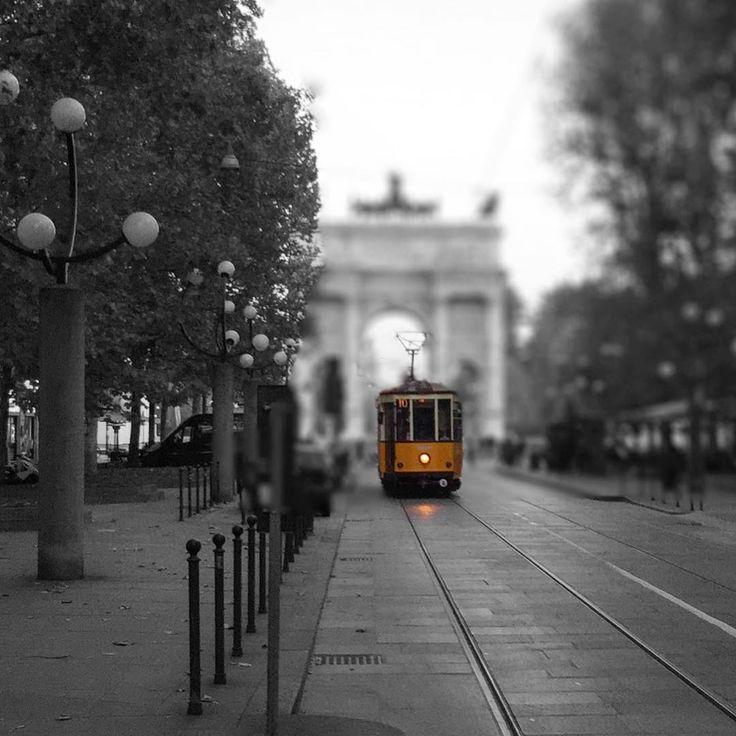 #milano #milan #tram #trammilano @trammilano #milanodavedere #volgomilano #volgoitalia #bnw #blacknwhite #LOVES_COLORSPLASH #LOVES_VEHICLES #loves_milano #instamilan #vivomilano #vivolombardia #top #top_lombardia_photo #italy #italia #tv_transport #milanodavedere #follow #like #followme #igersmilano #igerslombardia by claudio3sld