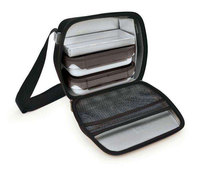 Bento lunch tas Eva Black is een mooie luxe tas om je lunch mee te nemen naar waar je maar wilt. De binnenkant is geïsoleerd. 0.6 liter en 0.8 liter.