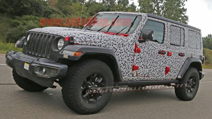 New Jeep Wrangler caught nearly uncovered
