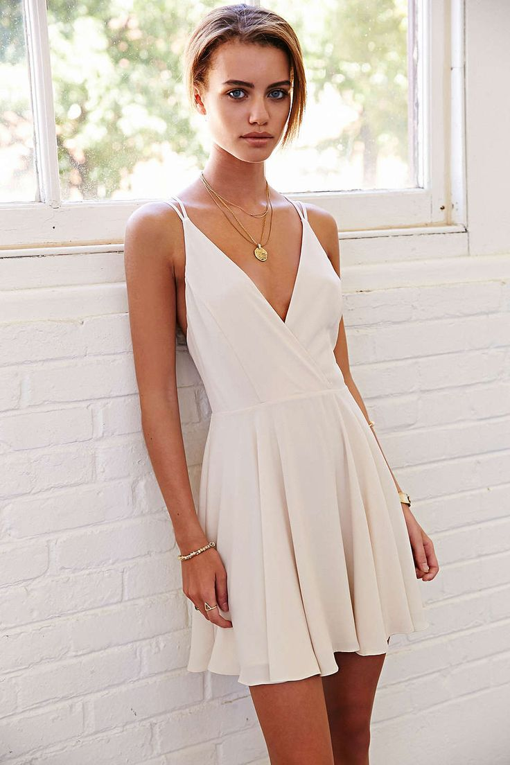 Sparkle & Fade Strappy Chiffon Skater Dress - Urban Outfitters White - XS