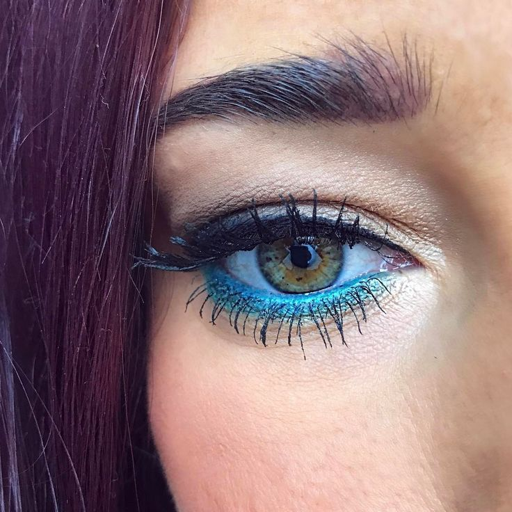 Friyay! ���� #makeupstore #makeup #a6center #themakeupstore #beautyhub #makeupartist #sweden #vättern #mode #trend #fashion #photo #smokeyeys #eyes #girl #woman #sweden #skönhet #elmia #foto #makeuptrend #beauty #a6 #makeuptips #fb #mua #jkpg #jönköping #vegan @makeupstore http://unirazzi.com/ipost/1497728841426127458/?code=BTJAHIrD8pi