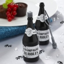 Black and white luxe champagne bottle. No need to throw rice anymore!