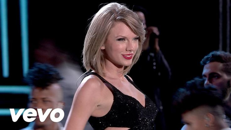 Taylor Swift - New Romantics i have to say that i like how she has accepted this new her. she dominates it