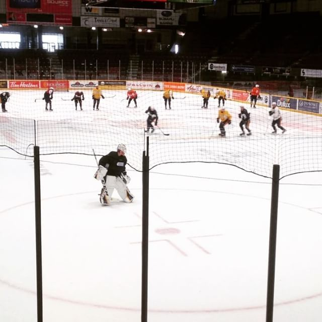 Practice makes perfect! Join our @barriecoltshockeyohl  at the #barriemolsoncentre tonight as they take on the Mississauga @ohlsteelheads. Puck drops at 7:30pm! #gocoltsgo #ohlhockey #thisisourtime