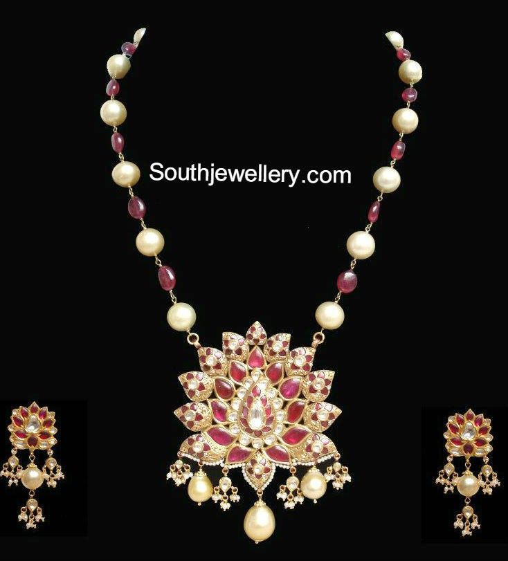 beads gold necklace