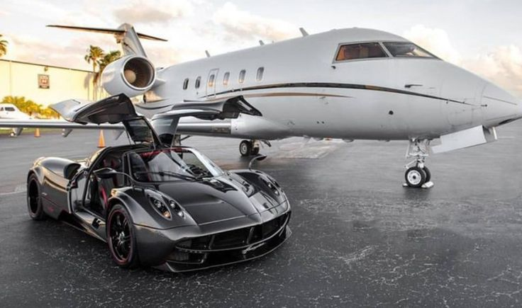 This Carbon Fiber Pagani Huayra Just Cropped up For Sale in Florida