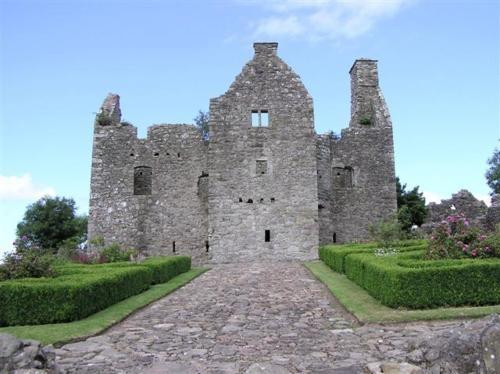Tully Castle in County Fermanagh, Ireland: Tulli Castles, County Fermanagh, Things Irish, Places I D, Ireland Castles, Irish Castles, Northern Ireland, Irish Eye, Ireland Things