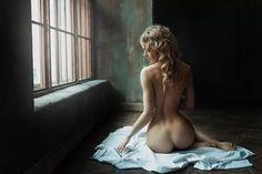 4 идущие голые девушки фото черно белые: 15 тыс изображений найдено в Яндекс.Картинках