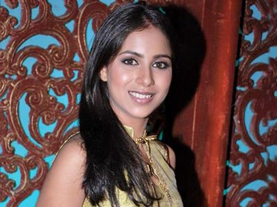 When Mahabharat's cast and crew called Veebha Anand a chappal chor! - http://www.bolegaindia.com/gossips/When_Mahabharats_cast_and_crew_called_Veebha_Anand_a_chappal_chor-gid-36609-gc-16.html