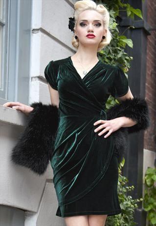 Delilah 50s glamour wrap style velvet dress green