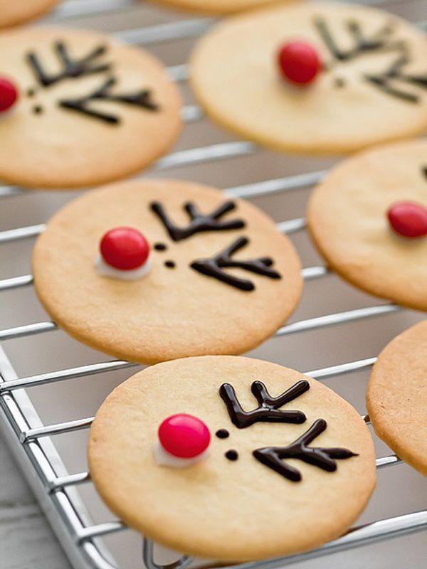 Reindeer cookie decorating idea for sugar cookies!