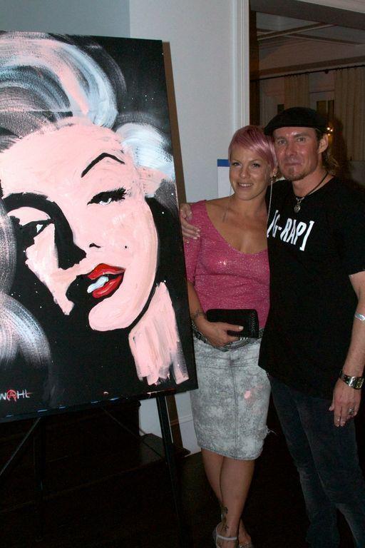 P!nk outbid everyone on Erik Wahl's amazing portrait of Marilyn Monroe.  — with Erik Wahl.