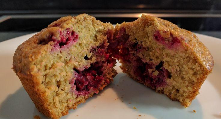 Definitivamente la harina integral de avena da mucho juego en repostería. El éxito de estos muffins está asegurado, siempre y cuando ...