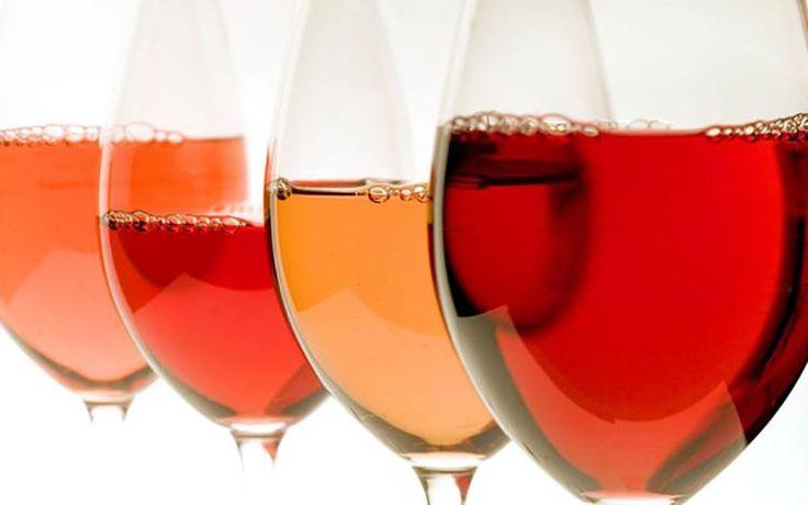 El evento 'La Vie en Rose' reunirá en Canarias a los mejores maestros de la cocina para crear una espectacular propuesta de alta gastronomía en miniatura con múltiples platos creados a partir de una cata a ciegas con los mejores vinos rosados de Canarias y acompañados de la mejor música de jazz.