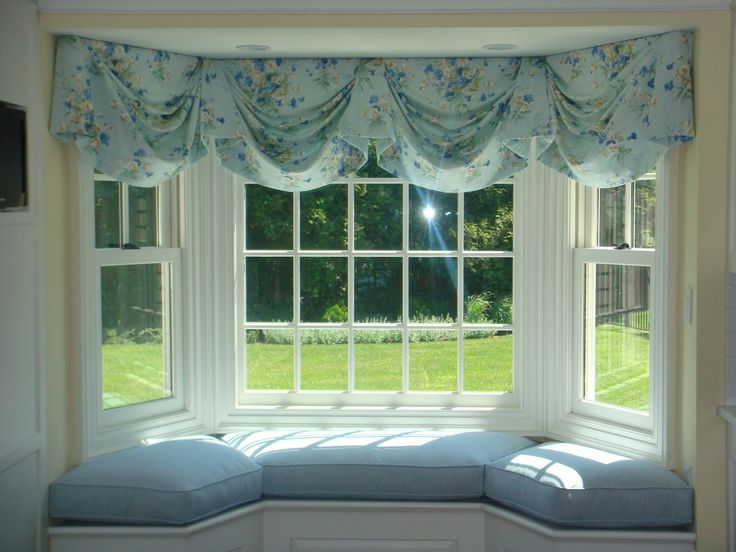 The Best Bay Window Cushions Ideas On Pinterest Bay Window - Beautiful windows and love the window seat with blue white cushions