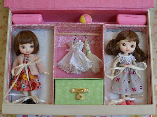 Amelia Thimble Dolls: New Travel Case!