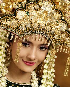 Traditional wedding dress, Bangka Belitung