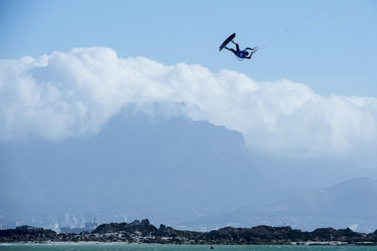 The highest airs and best tricks from the extreme kiteboarding contest. Press play now: