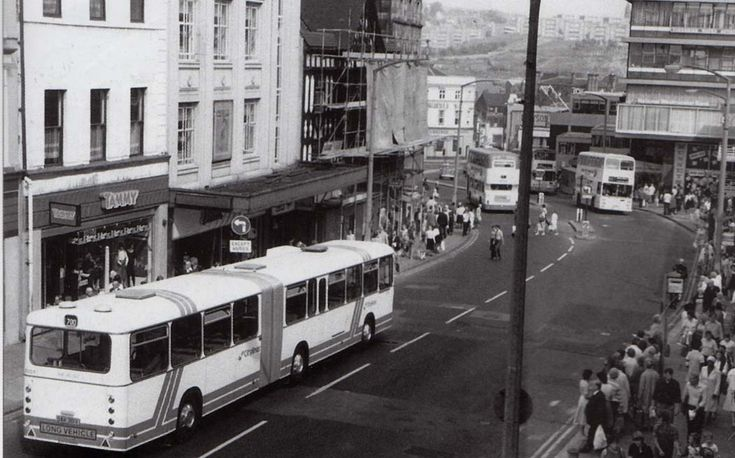 A very busy Waingate, Sheffield in 1979