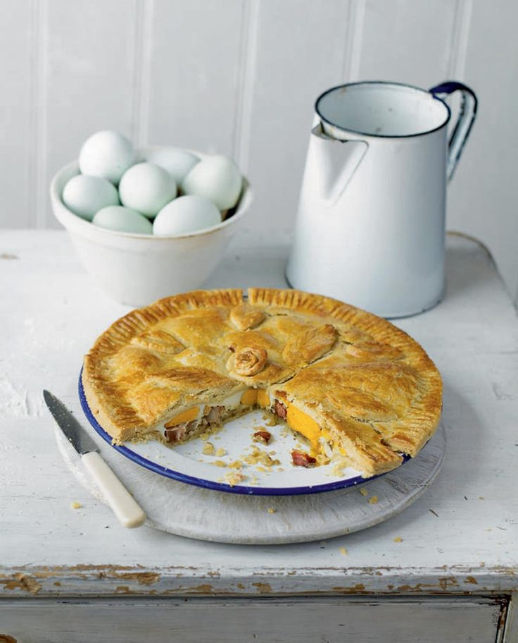 This classic egg and bacon pie recipe is easy to make and ideal for a light lunch or as part of a buffet.