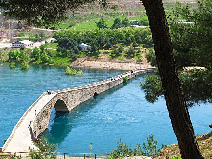 Taş köprü(Ceyhan köprüsü)/Kahramanmaraş
