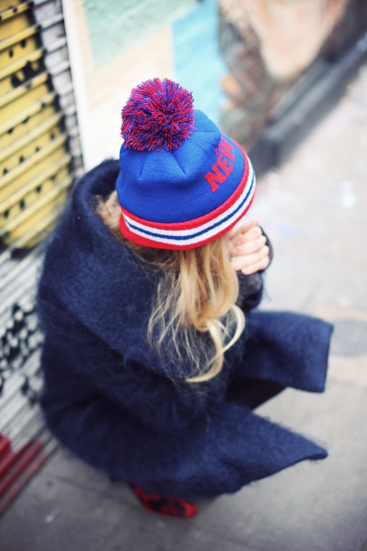 Fashion & Streetstyle / Blue Style with beanie / fashion streetstyle look