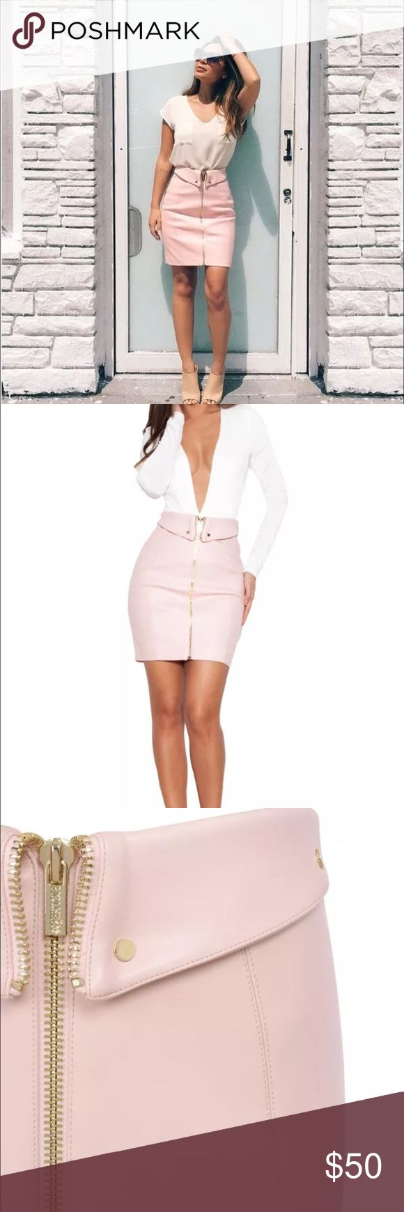 House of CB Ava Blush pink vegan leather miniskirt Oh-so-feminine 'Ava' arrives with a hint of blush gorgeousness. This uber-gorge min skirt is your perfect Summer wardrobe addition. In palest blush pink, 'Ava' is made from soft and stretchy vegan leather and features a fold over waistband and full length back zipper. Made from softest stretch vegan leather. Team yours with our 'Lorenza' bodysuit and neutral pumps.  Designed For House of CB  Length: Approx 49cm Gentle Dry Clean Only  Model…