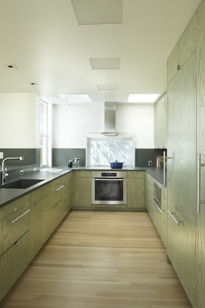 stained plywood: Kitchens Photo, Kitchens Design, Traditional Kitchens, Contemporary Kitchens, Wood Finish, Cupboards Doors, Anilin Dyes, Plywood Floors, Into The Wood