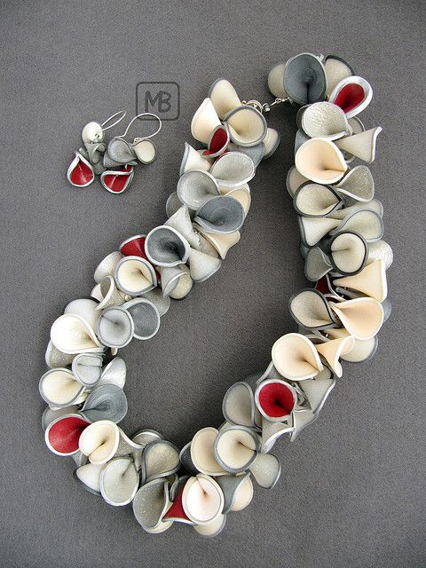 """Bettina Mertz, """"Lei"""". Inspired by Maggie and Lindly's Pinched petal necklaces. 60 cm long and a diameter of 5.5cm - polymer clay."""