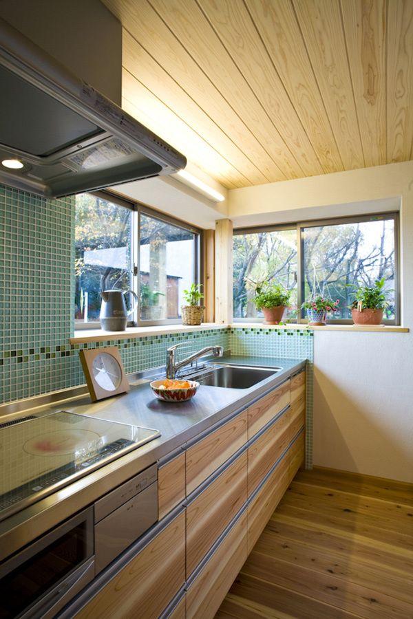 File003 世界に1つだけのキッチン‼️引き出しの寸法など、細部までこだわり設計してます。またリビングの建具と色合いを合わせた木製の面材を使用し、トータルでコーディネートしてます。お料理上手な奥様こだわりのオリジナルキッチンです‼️#キッチン#収納#ママスペース#水栓#照明#パントリー#ステンレス#